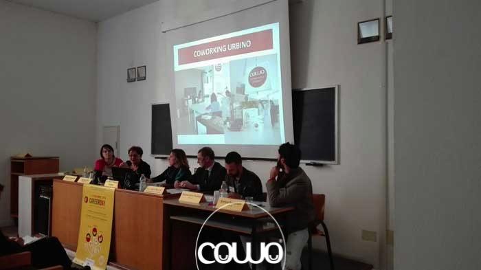 Staff Coworking Urbino al Carrer day