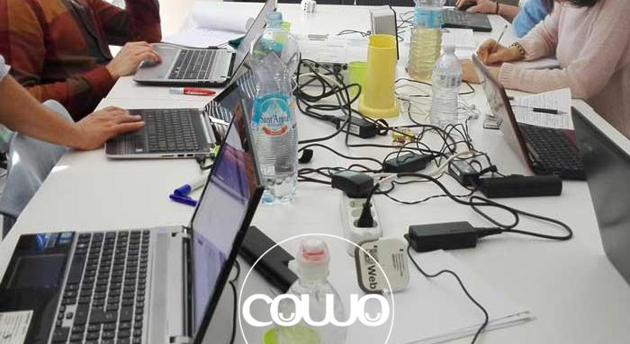 Scrivania al Coworking Urbino